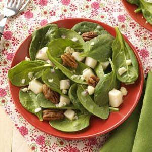 Spinach Salad with Pears & Candied Pecans