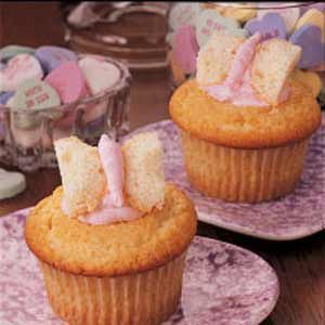 Fancy Cream Cupcakes Recipe