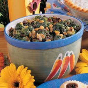 Raisin Broccoli Toss Recipe