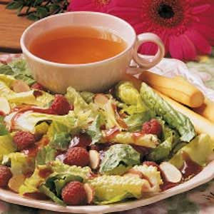 Almond-Raspberry Tossed Salad Recipe