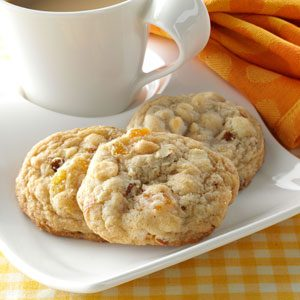 Apricot Almond Blondies Recipe