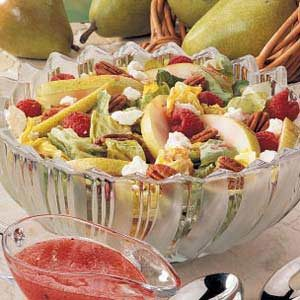 Pecan-Pear Tossed Salad Recipe