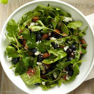 Blue Cheese and Blueberry Tossed Salad Recipe