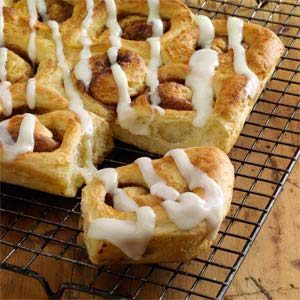 Frosted Cinnamon Rolls Recipe