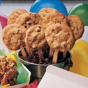 Quick Chocolate Chip Cookie Pops