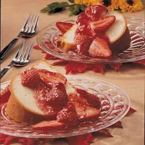 Holiday Pound Cake with Strawberry Topping