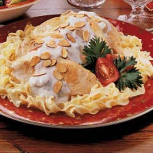 Chicken and Noodles with Mushroom Sauce Recipe