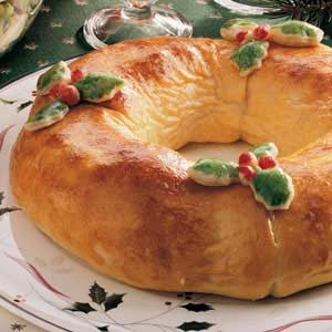 Holly Sandwich Wreath Recipe