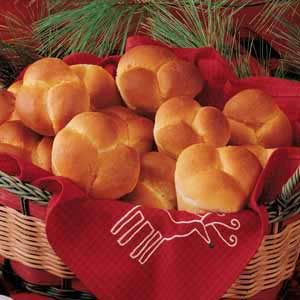 Tender Cloverleaf Rolls Recipe