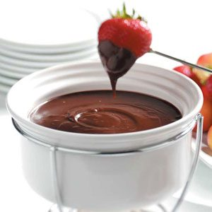 Chocolate-Raspberry Fondue Recipe