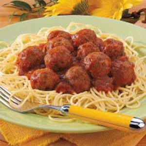Paleo Italian Meatballs contain no breadcrumbs or grains of any kind. These beef and pork meatballs are baked in the oven and the Marinara sauce is made .