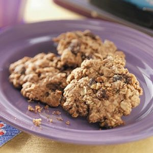Chewy Oatmeal Raisin Cookies Recipe