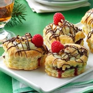 Raspberry & Cream Cheese Pastries Recipe
