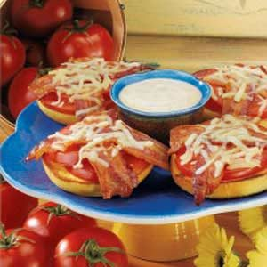 Bacon-Tomato Bagel Melts Recipe