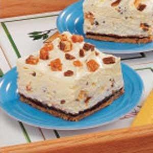 Creamy Candy Bar Dessert Recipe