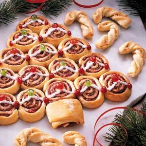 Cranberry Cinnamon Christmas Tree Rolls Recipe