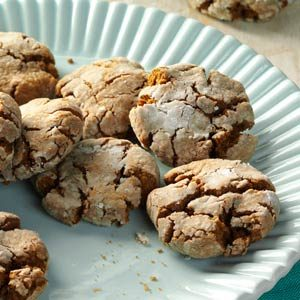 Molasses Crackle Cookies