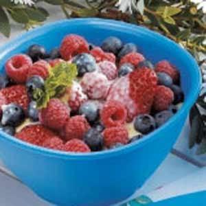 Berries with Custard Sauce Recipe