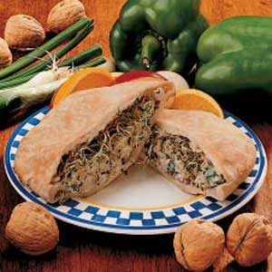 Nutty Chicken Pita Sandwiches Recipe