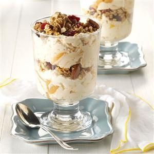 Almond-Vanilla Yogurt Parfaits Recipe