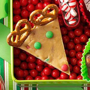 Candy Bar Fudge Reindeer Recipe