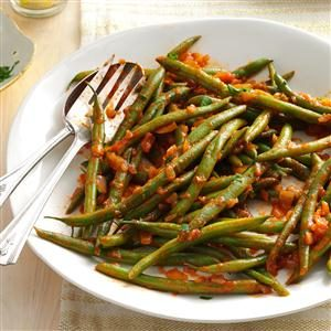 Tomato-Onion Green Beans Recipe
