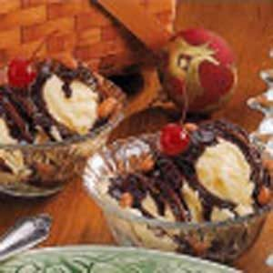 Hot Fudge Sundaes