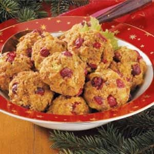Turkey-Berry Stuffing Balls Recipe