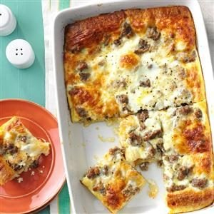 Sausage & Crescent Roll Casserole Recipe