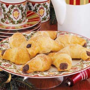 Creamy Chocolate Crescents Recipe