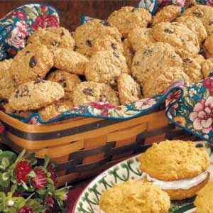 Maple Raisin Oatmeal Cookies