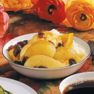 Pears in Spiced Raisin Sauce Recipe