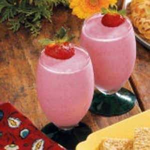 Strawberry Yogurt Shakes Recipe
