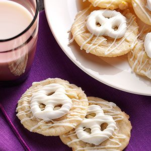 Pretzel-Topped Sugar Cookies Recipe