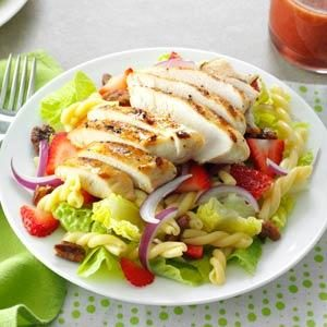 Strawberry-Chicken Pasta Salad Recipe