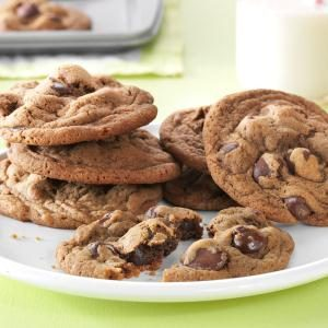 Coffeehouse Caramel-Dark Chocolate-Latte Cookie Recipe