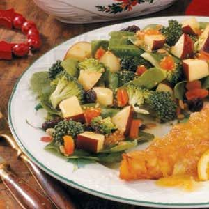 Fruit 'n' Veggie Salad Recipe