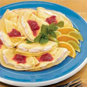 Creamy Rhubarb Crepes Recipe