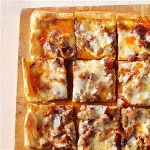 Brat & Bacon Appetizer Pizza Recipe