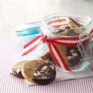 Ginger & Maple Macadamia Nut Cookies