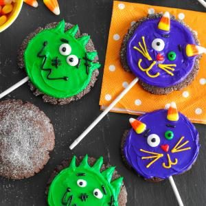 Sweet Treat: Halloween Chocolate Cookie Pops