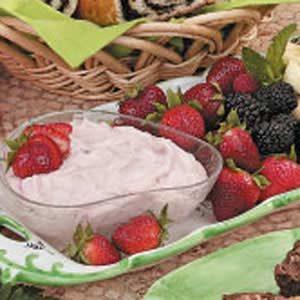 Fluffy Strawberry Fruit Dip Recipe