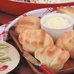 Sour Cream Fan Rolls Recipe