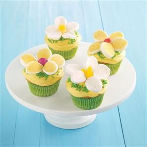 Easy Lemon Daisy Cupcakes