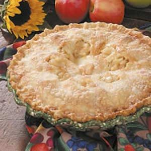 Saucy Spiced Apple Pie Recipe