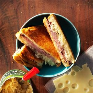 Reuben Pudgy Pie Recipe