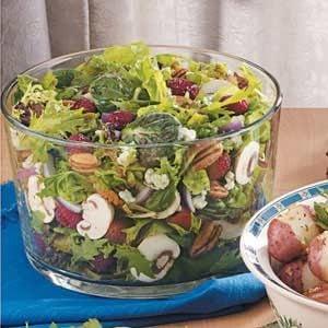 Favorite Raspberry Tossed Salad Recipe