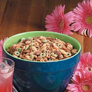 Apple-Cinnamon Snack Mix Recipe