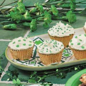 St. Patrick's Day Pistachio Cupcakes