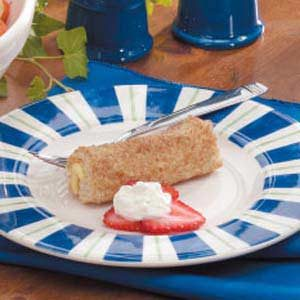 Berries 'n' Cream Roll-Ups Recipe